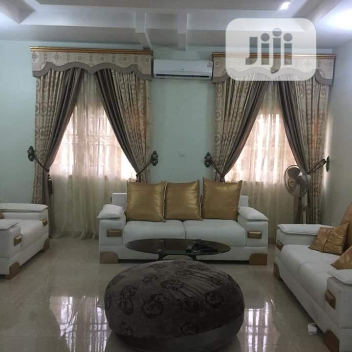 Quality and Beautiful Curtains Available for Your Homes Etc