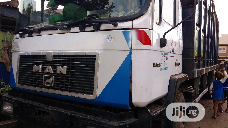 MAN Diesel 18 232 Truck