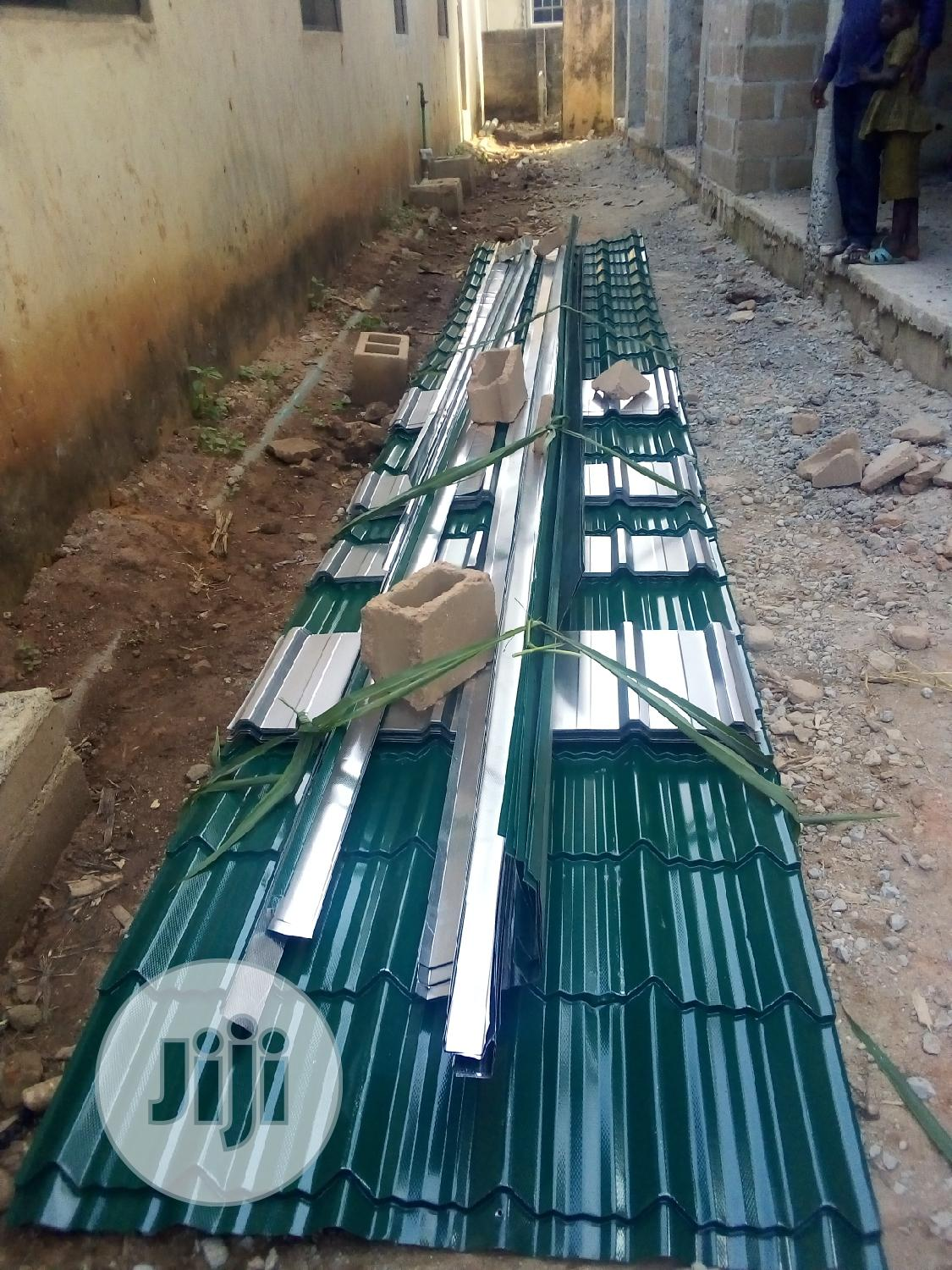 We Selling 0.55 Aluminum Roofing Sheet And Allso Install | Building Materials for sale in Agege, Lagos State, Nigeria