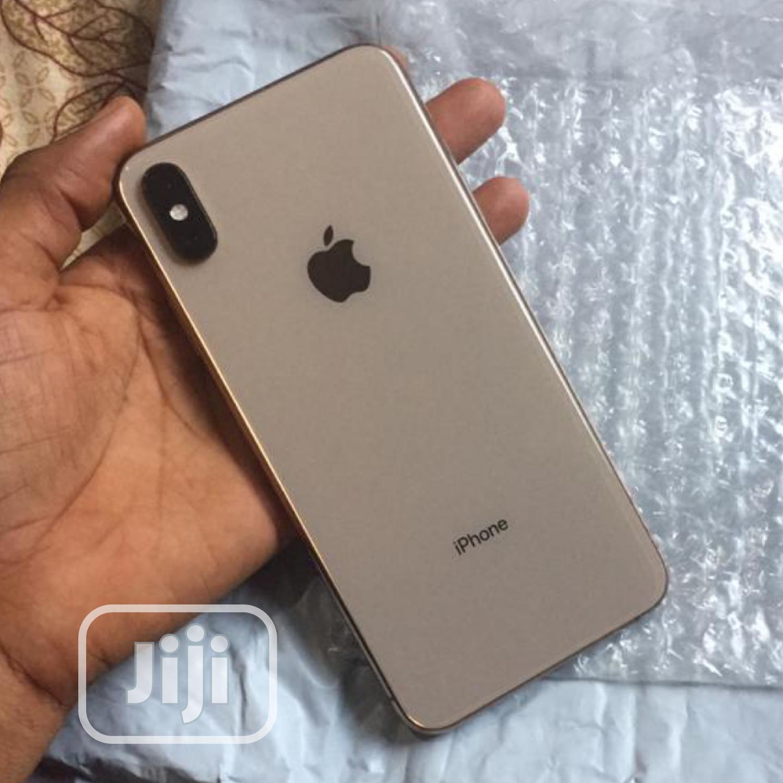 Apple iPhone XS Max 64 GB Gold
