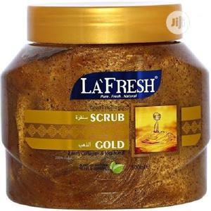 La Fresh Fresh Gold Scrub With Collagen & Vitamin E - 500ml | Skin Care for sale in Lagos State, Alimosho