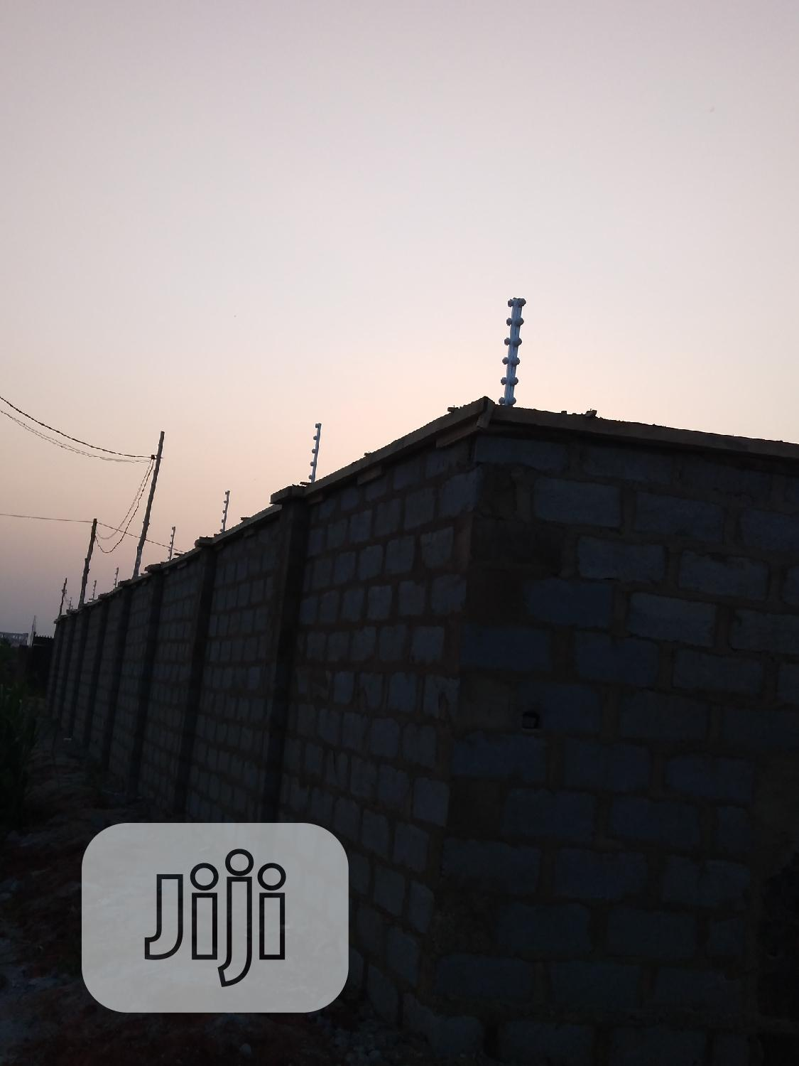 1 Plot Installation With Material of Electric Fence Solution | Building & Trades Services for sale in Obafemi-Owode, Ogun State, Nigeria