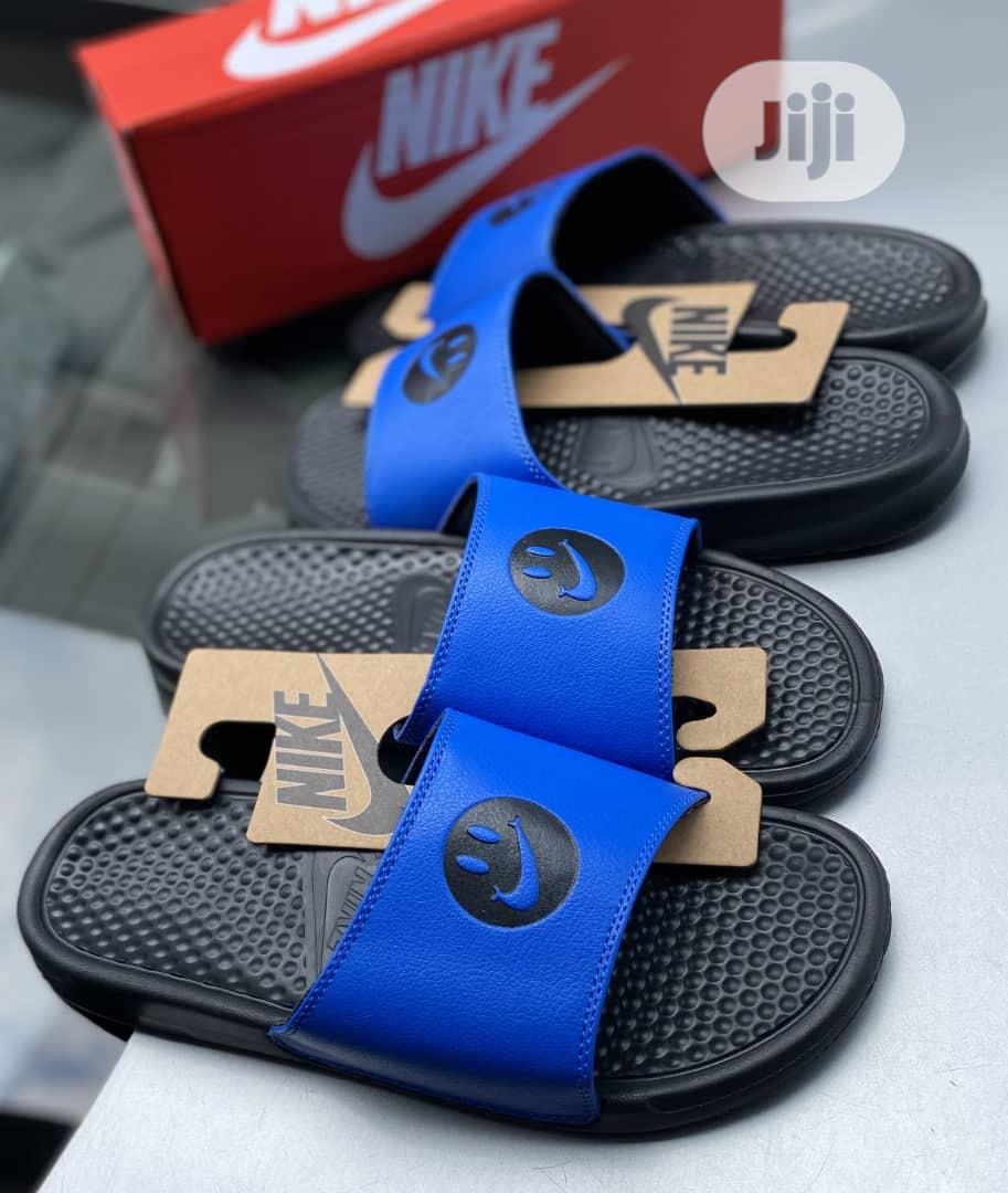 nike slippers colors