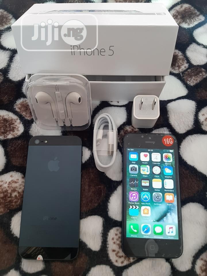Archive: New Apple iPhone 5 32 GB Black