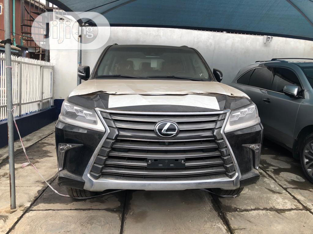 New Lexus LX 2018 570 Three-Row Black