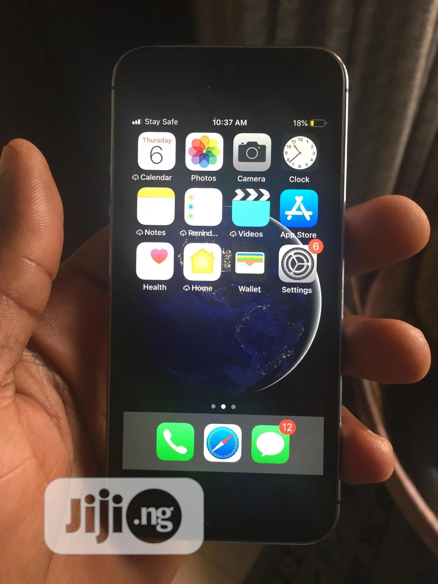Archive: Apple iPhone 5s 16 GB Black
