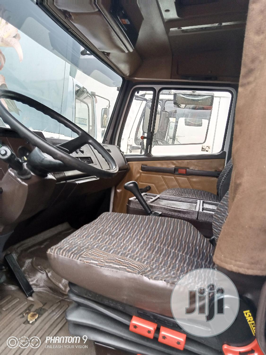 Archive: Mercedes Benz Truck 814, One and Half Cabin