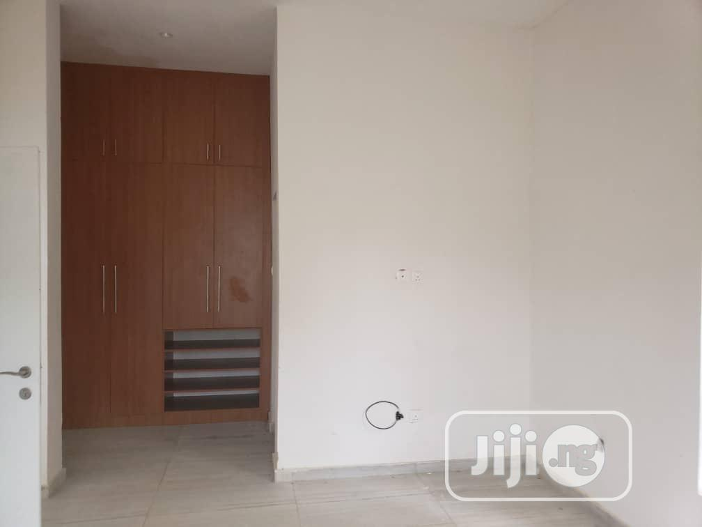 Archive: Classy 4 Bedroom Suit Bungalow With Basement @Premier Layout