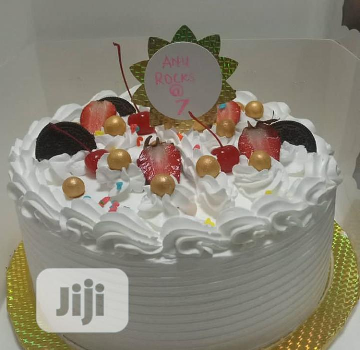 Yummy 😋 Cakes