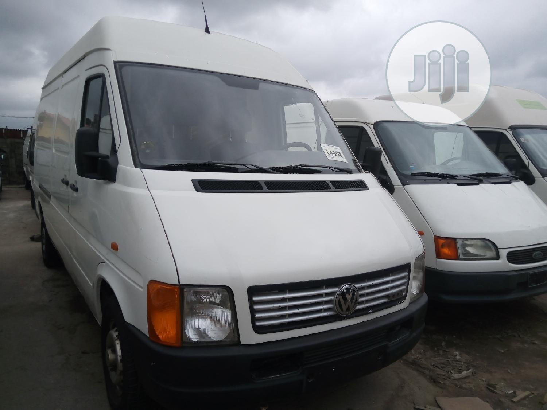 Lt Bus 2000model | Buses & Microbuses for sale in Apapa, Lagos State, Nigeria