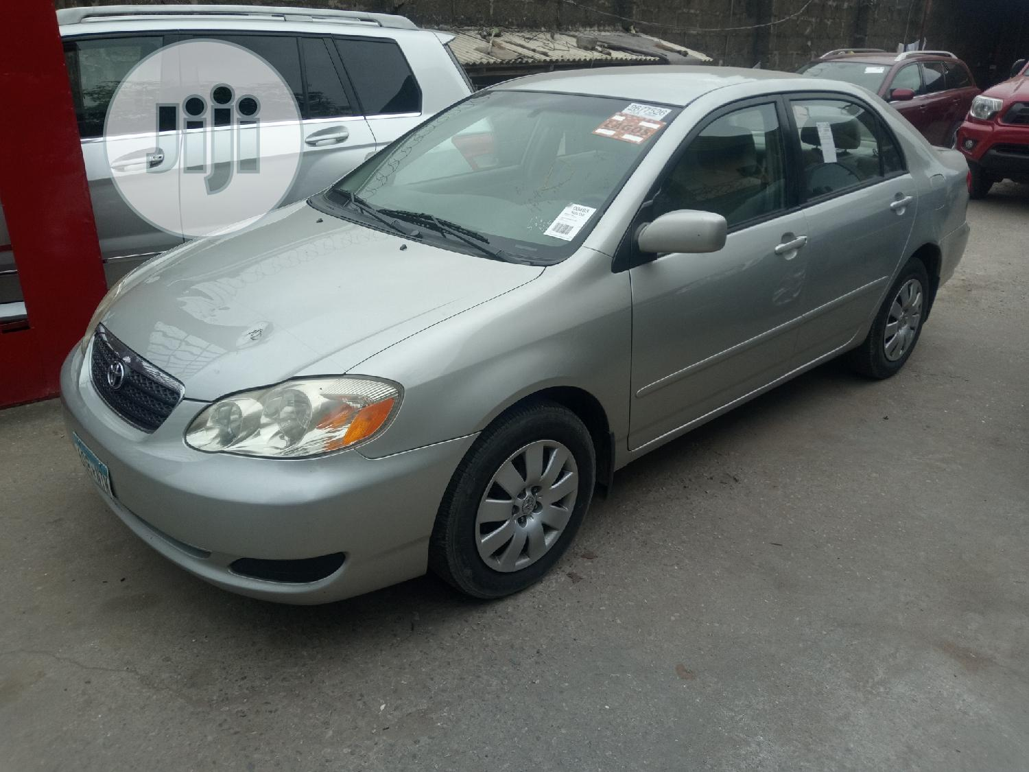 Toyota Corolla 2004 LE Silver | Cars for sale in Isolo, Lagos State, Nigeria