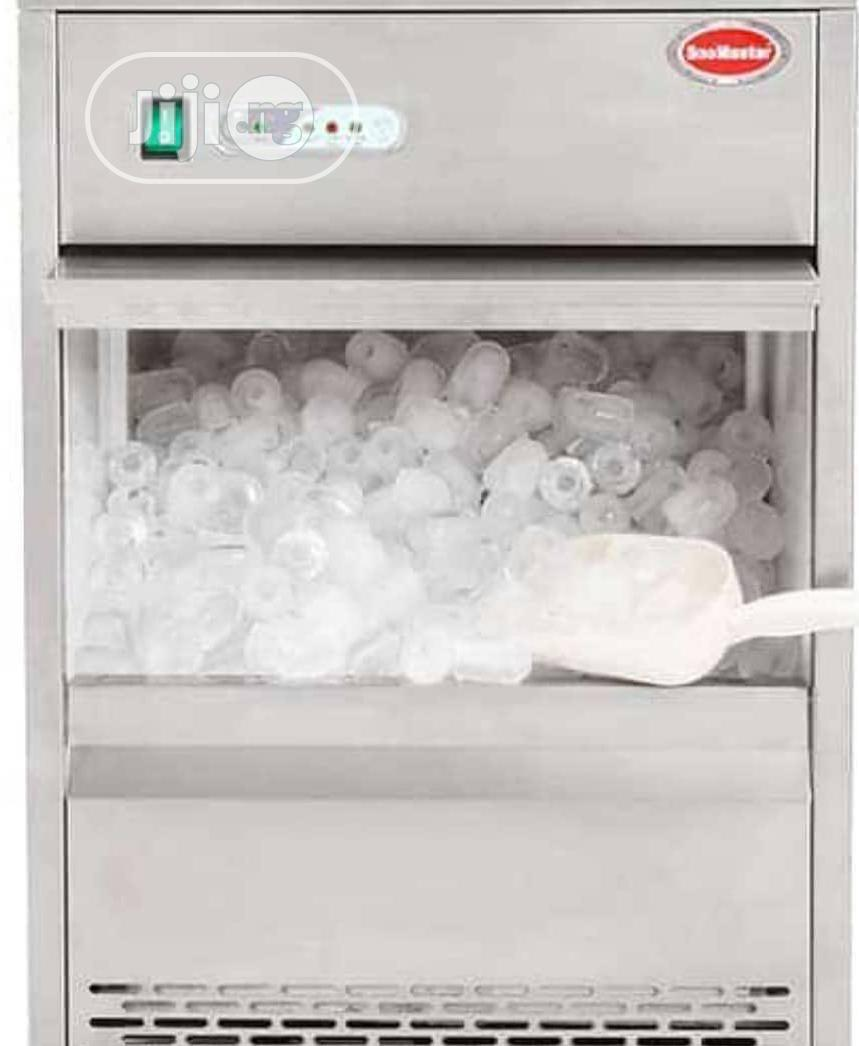 Archive: Ice Cube Maker