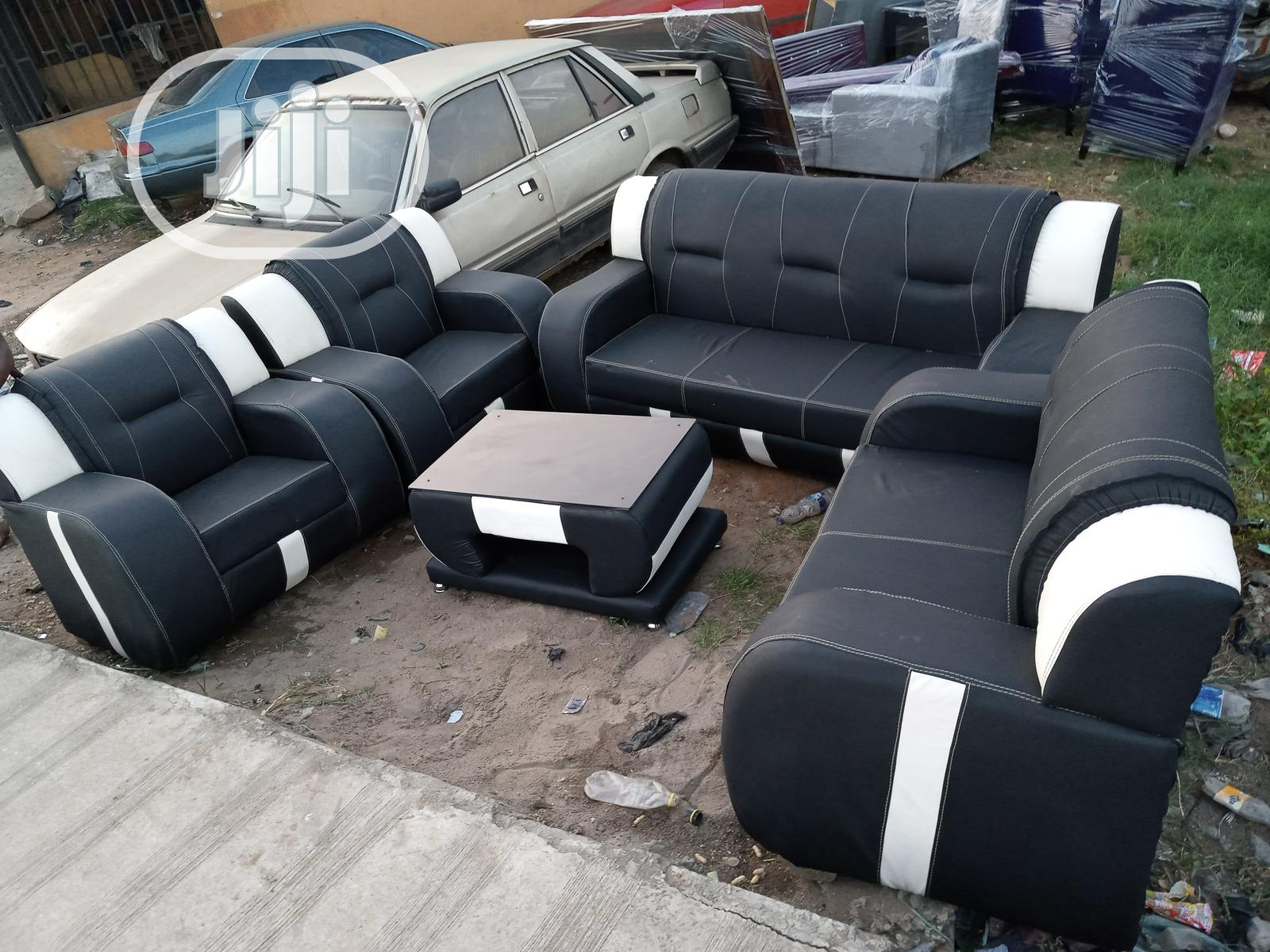 Set Of Classic Sofa Chairs With Centre Table. Leather Couch