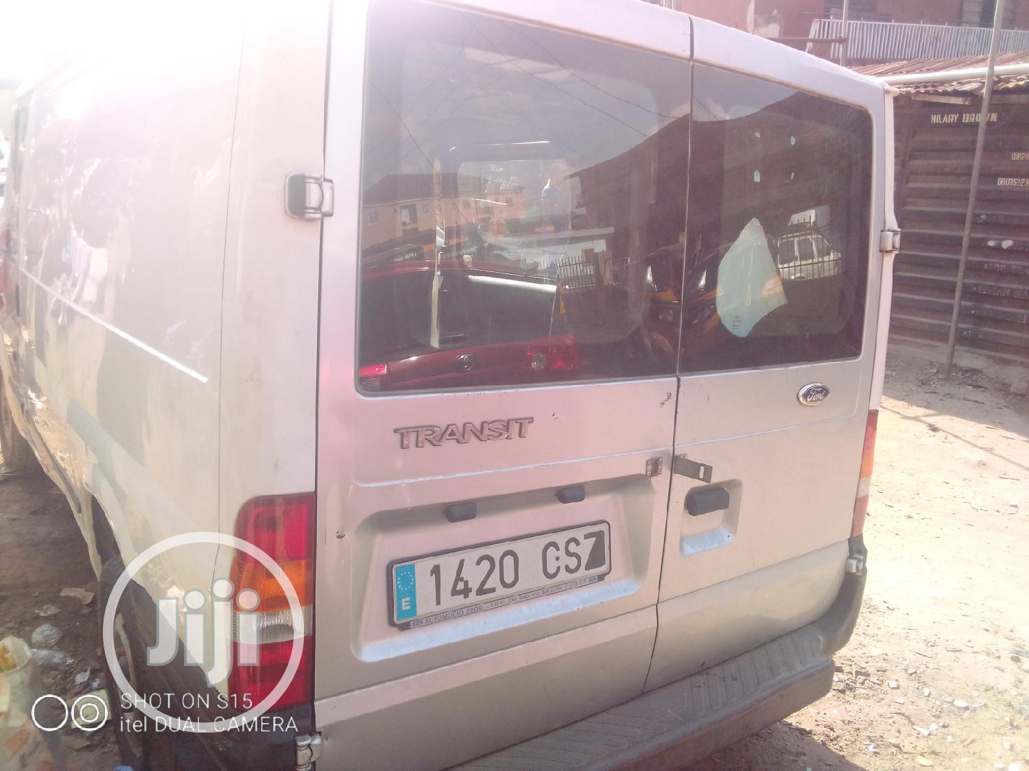 Tokunbo Ford Transit 1998 Model White | Buses & Microbuses for sale in Oshodi, Lagos State, Nigeria