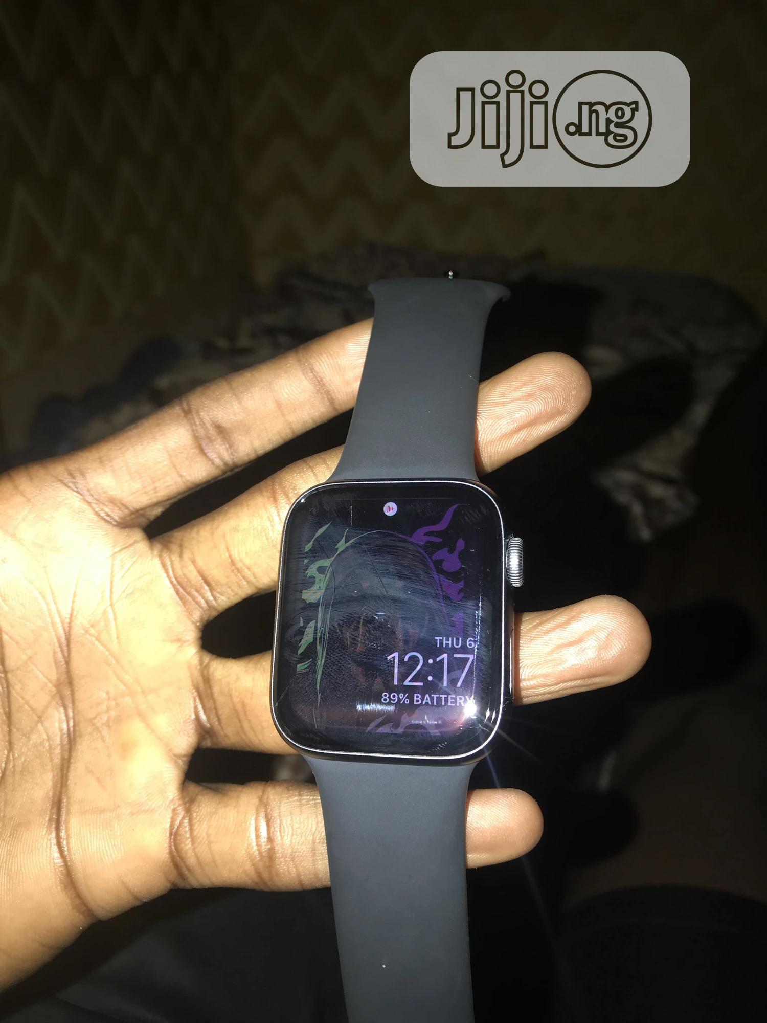 Archive: Apple Watch Series 5 44mm