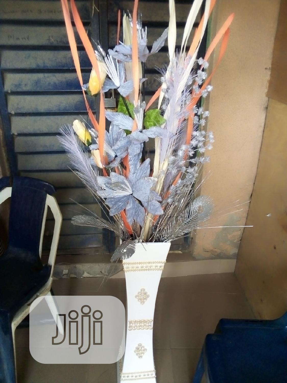Super Unique Flower Vase With Beautiful Flowers.