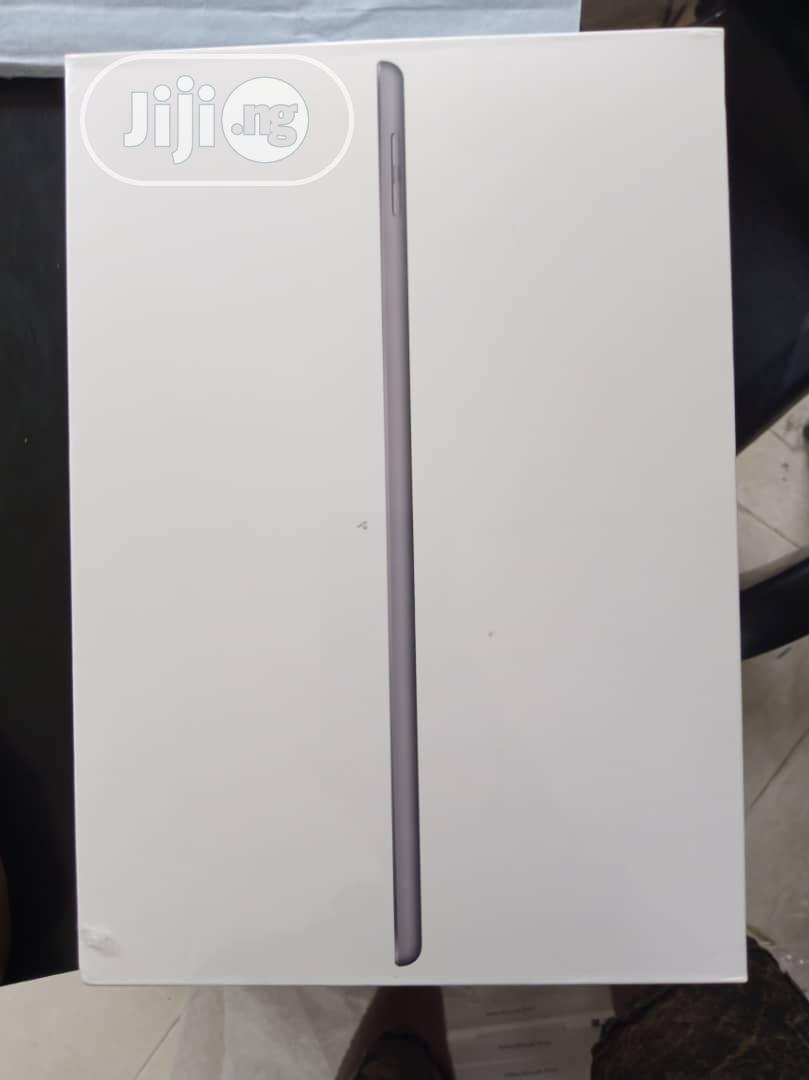 Archive: New Apple iPad 9.7 128 GB Gray