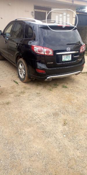 Hyundai Santa Fe 2012 Black | Cars for sale in Abuja (FCT) State, Kubwa