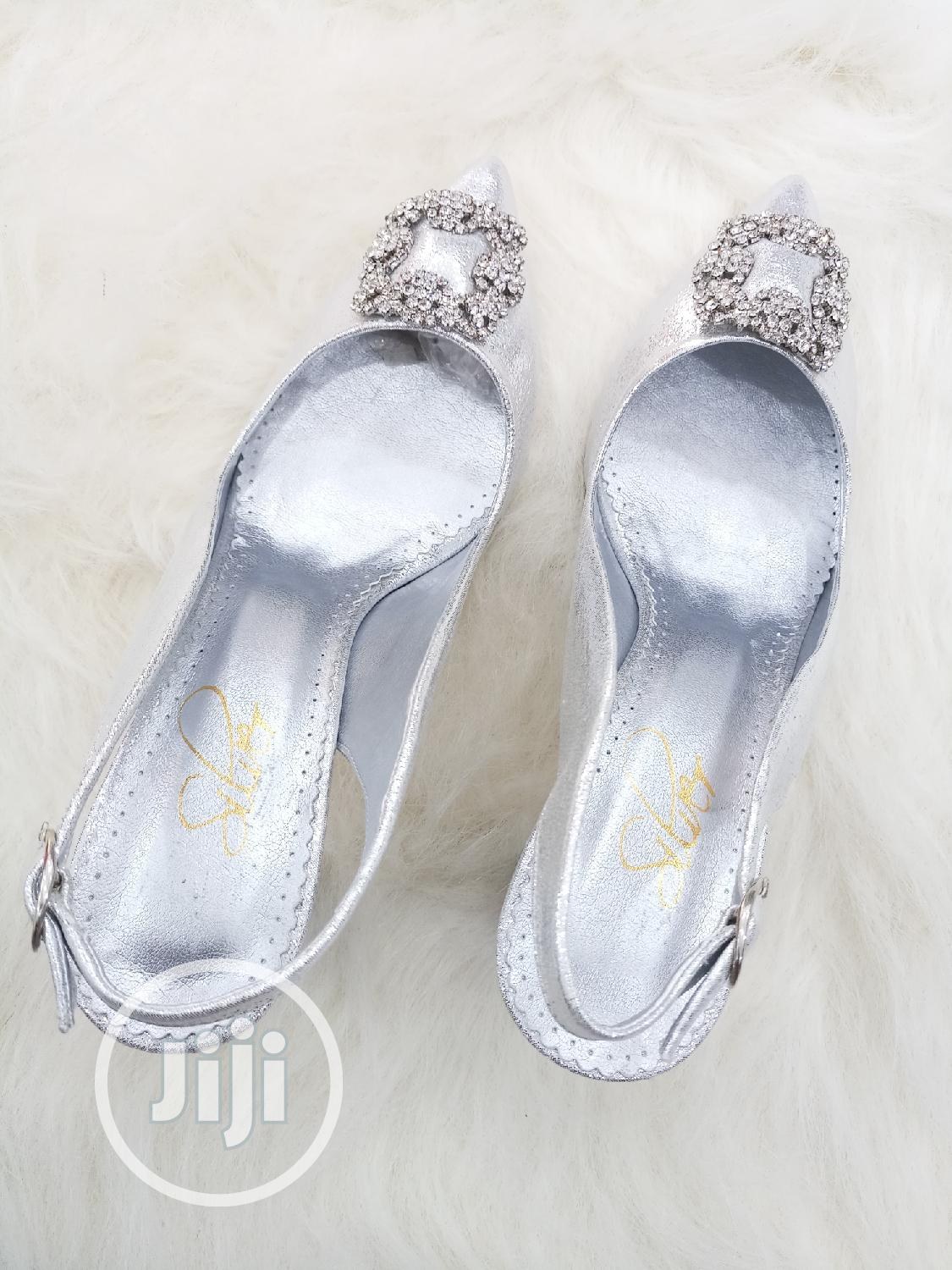 Archive: Gorgeous Ladies Silver Shoes With Glittering Balanced Heel