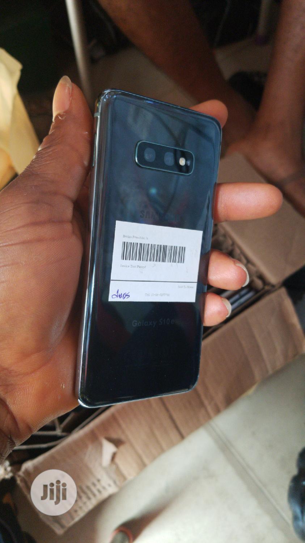 Archive: Samsung Galaxy S10e 128 GB