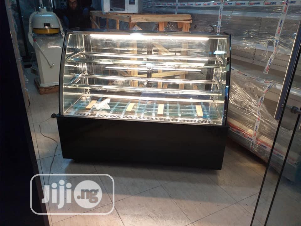 Flour Standing Cake Display Chiller