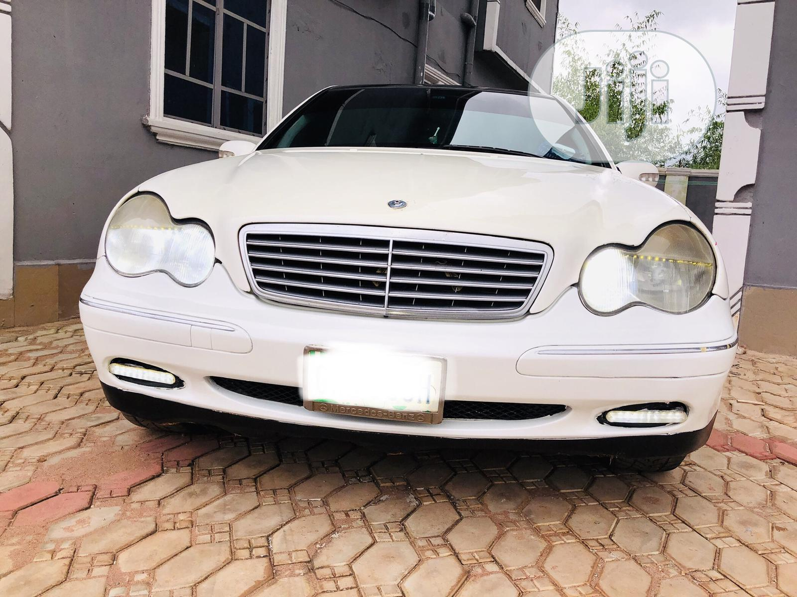 Mercedes-Benz C320 2005 White