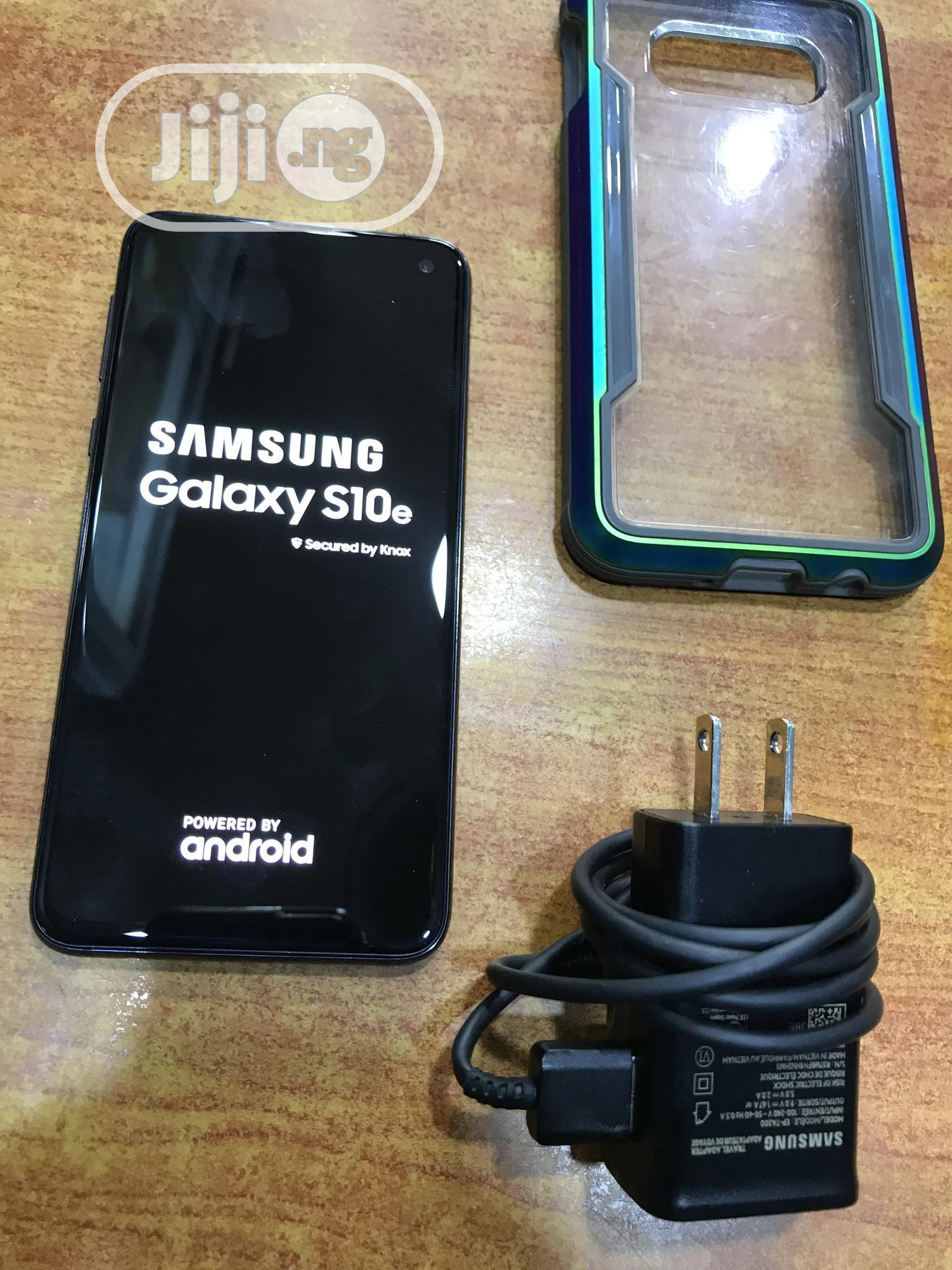 Samsung Galaxy S10e 128 GB Black