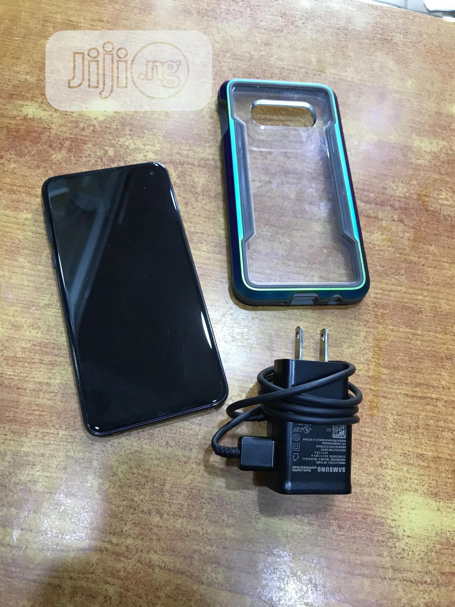 Archive: Samsung Galaxy S10e 128 GB Black