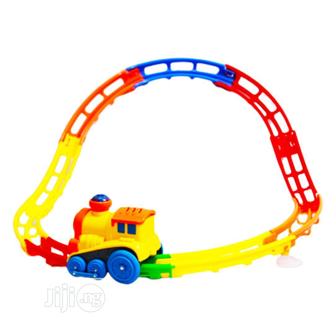 Archive: Train Tumble Race Set