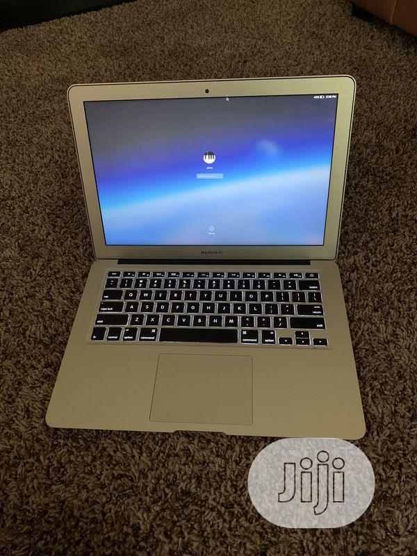Laptop Apple MacBook Air 4GB Intel Core i5 SSD 256GB