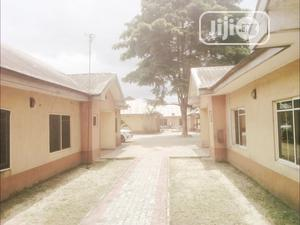 TO LET: 2 Bedroom Flat, Golf Course Estate, Portharcourt   Houses & Apartments For Rent for sale in Rivers State, Port-Harcourt