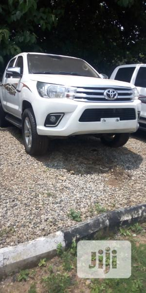 Toyota Hilux 2017 White | Cars for sale in Abuja (FCT) State, Gwarinpa