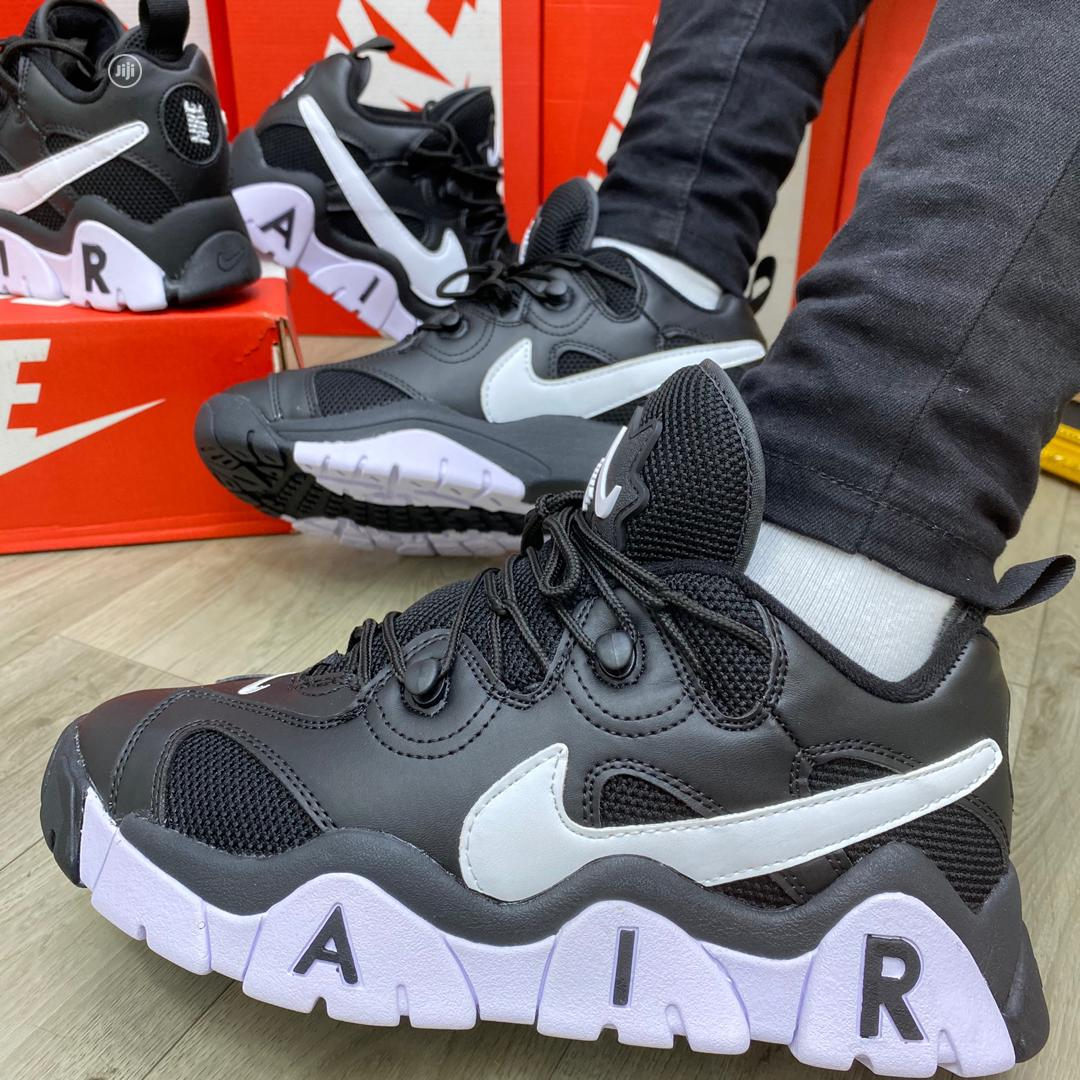 Nike Air Barrage Low Black/White Original   Shoes for sale in Surulere, Lagos State, Nigeria