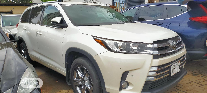 Toyota Highlander 2017 White   Cars for sale in Oshodi, Lagos State, Nigeria