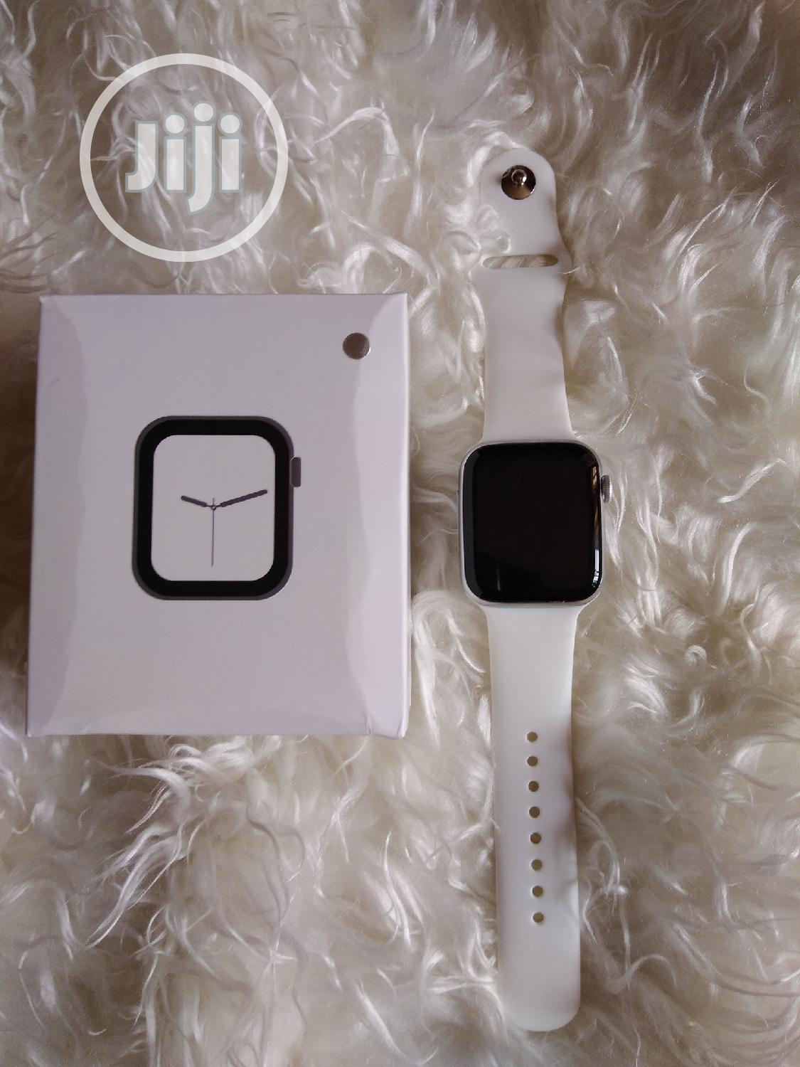 Bluetooth Smart Watch for iPhones and Android Phones