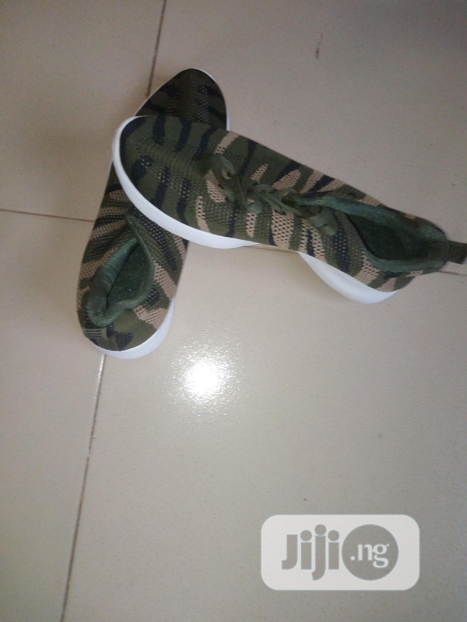 Army Green Sneaker in Enugu - Shoes
