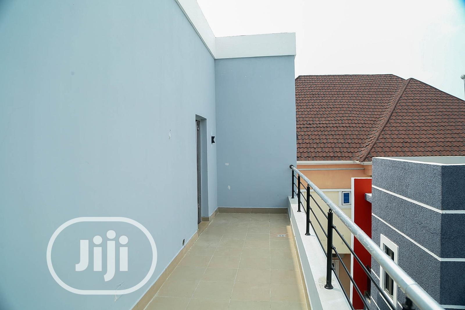 Archive: 4 Bedroom Fully Duplex All Rooms Ensuite