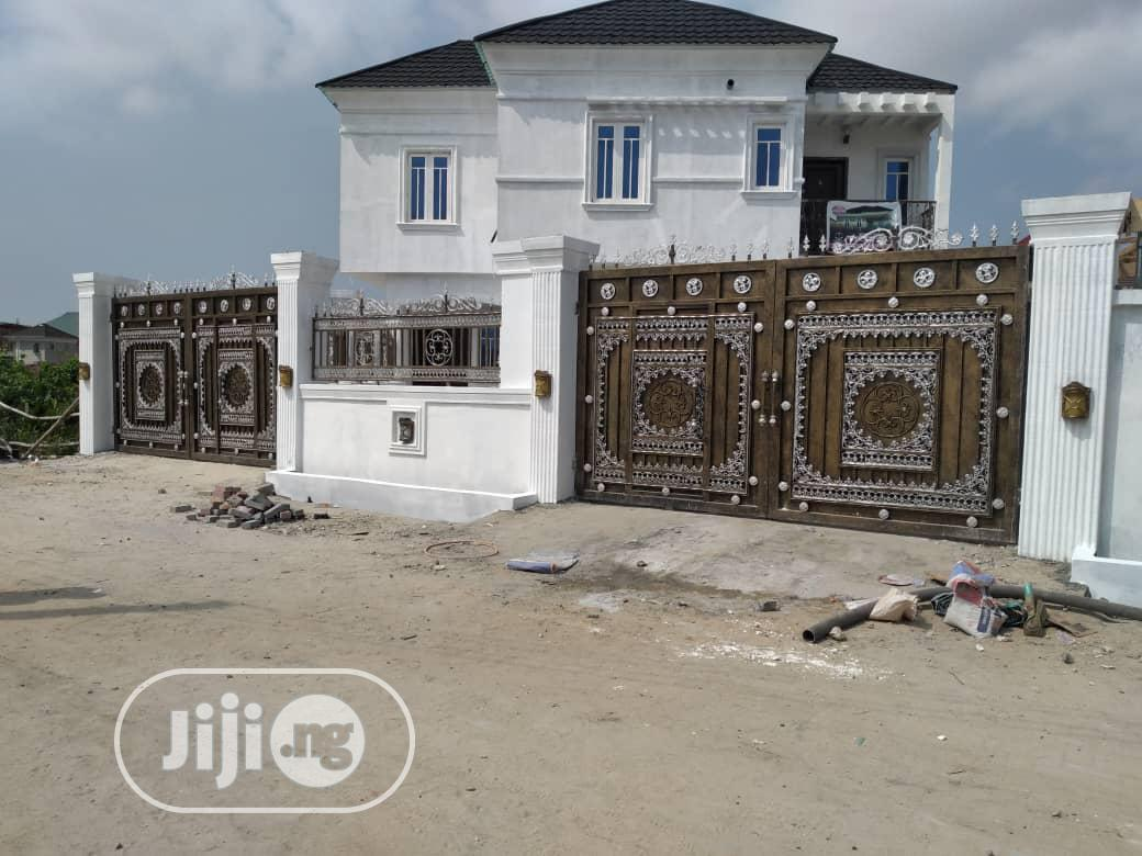 Luxury 4 Bedrooms Fully Detached Duplex for Sale