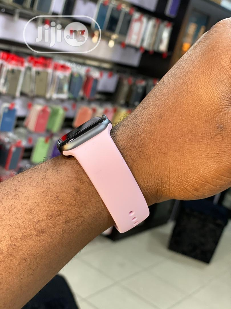 Apple Watch Series 4 40mm GPS and Cellular | Smart Watches & Trackers for sale in Port-Harcourt, Rivers State, Nigeria