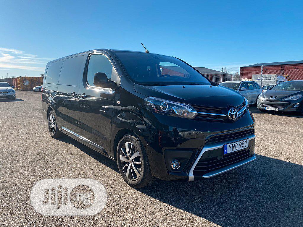 Toyota Grand Hiace 2018