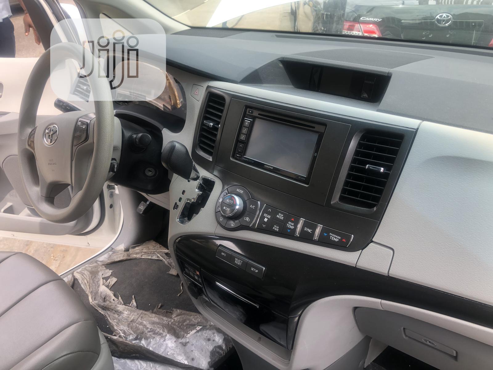 Toyota Sienna 2014 White | Cars for sale in Ojodu, Lagos State, Nigeria