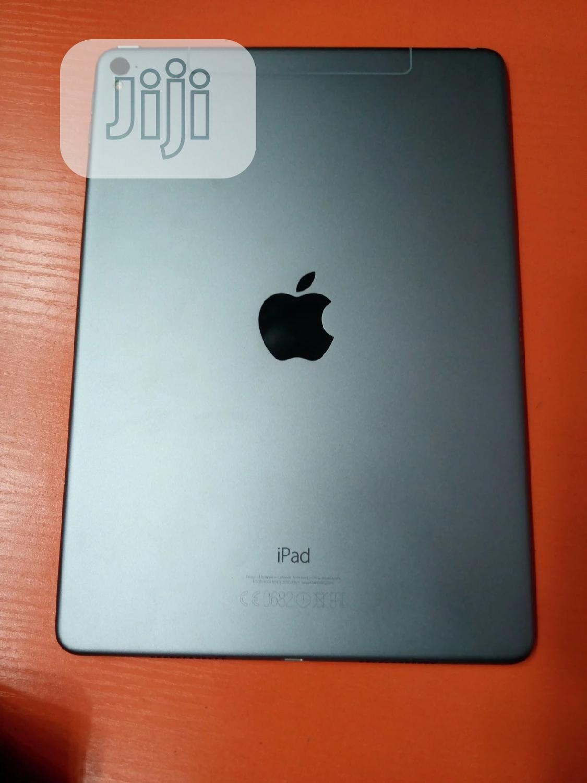 Apple iPad 9.7 32 GB