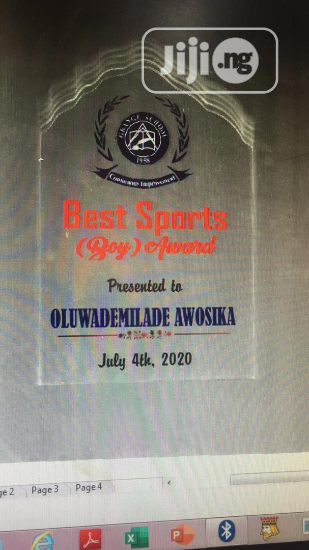 Crystal Award For Graduating Students