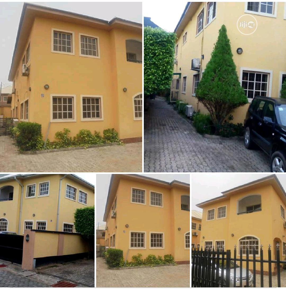 Archive: Clean Used 5 Bedroom Duplex For Sale At GRA Ikeja Lagos