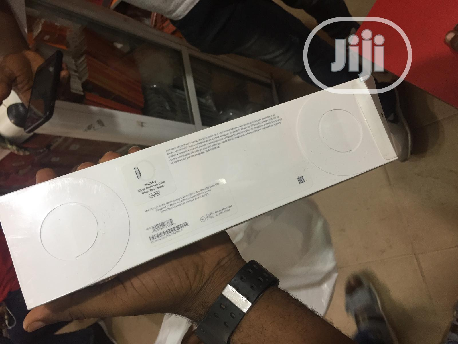 Iwatch Series 3 GPS 42mm | Smart Watches & Trackers for sale in Ajah, Lagos State, Nigeria