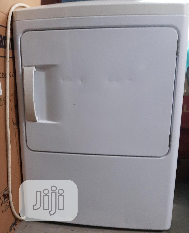 White Frigidaire 15kg Industrial Drying Machine