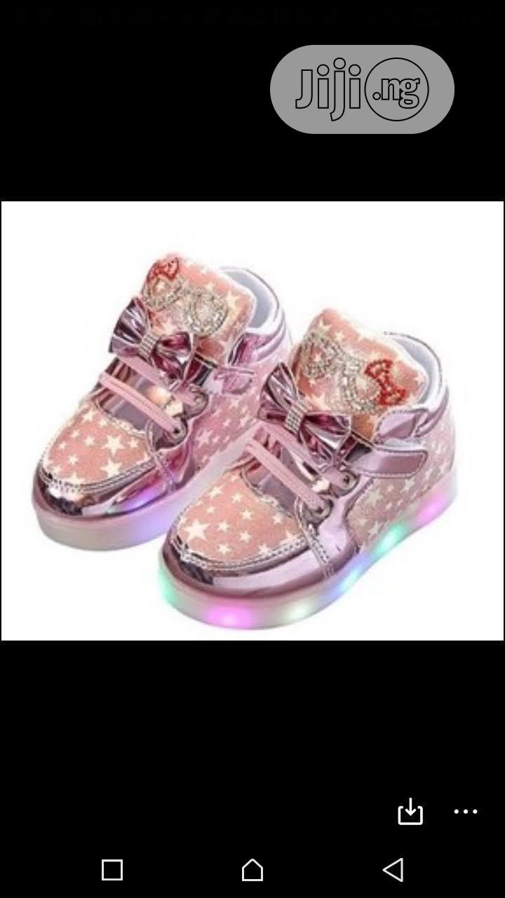 Hot Selling 2020 Led Flash Luminous Children Shoes