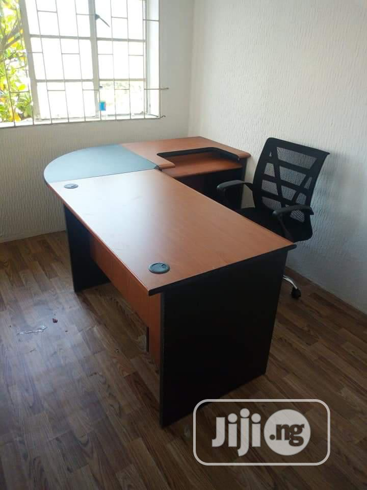 Office Table C Top