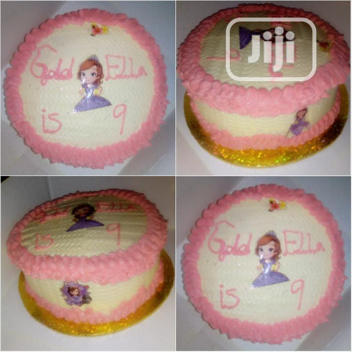 Sofia Sumptuous Fruity Vanilla Birthday Cake