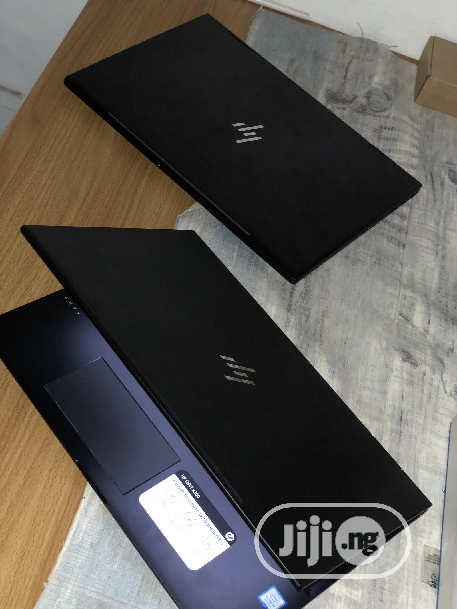 New Laptop HP Envy X360 15t 8GB Intel Core I7 SSD 512GB
